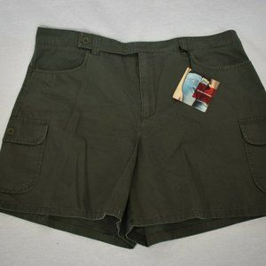 Gloria Vanderbilt Womens Size 16 Green Shorts